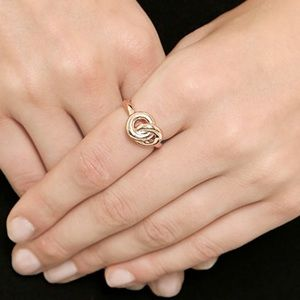 Giles & Brother ring